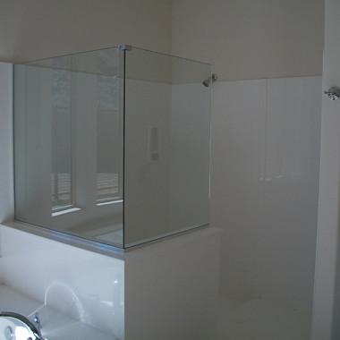 90-Degree-Splash-Panels-Beazer-Homes