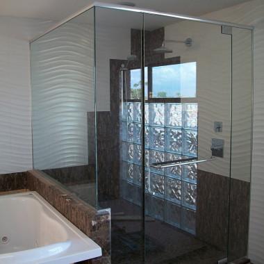 Chaparral-Suites-Luxury-Shower-Enclosure